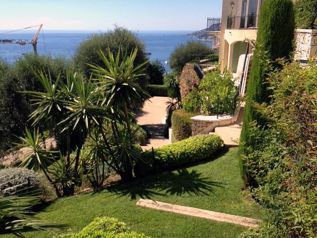 Entreprise lo cricchio espaces verts votre jardinier drap for Entreprise jardinier paysagiste